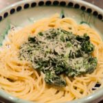 Spaghetti with spinach and mascarpone